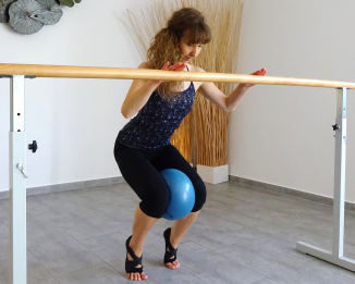 Pilates 29.4.2018 Squats mit Ball